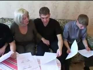Mom and three sons hot family bayan pesta seks