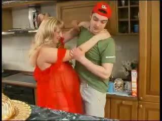 Lavire mami në i kuq