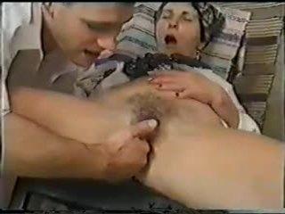 Grannies qij dhe fist