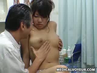 Espía muñeca climax masaje