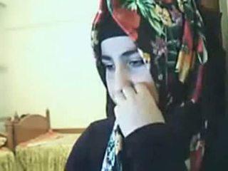Hijab נערה הצגה תחת ב מצלמת אינטרנט arab סקס שפופרת