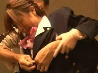 Luft hostess befummelt von passenger
