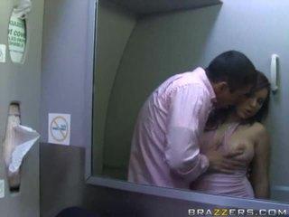 Caldi ragazze having sesso in un airplane xxx