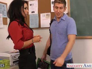 Голям бюст секс учител jessica jaymes майната в клас