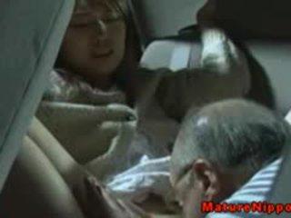 ญี่ปุ่น แก่แล้ว แม่ผมอยากเอาคนแก่ gets oralsex