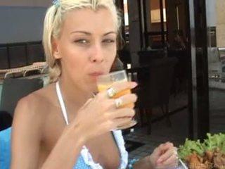 muie gratis, nikki mare, uita-te blondă cea mai tare