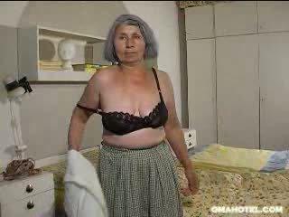 vechi, mai mari, bunicuță