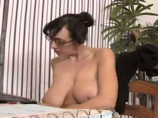 brünette, oral sex, piercings