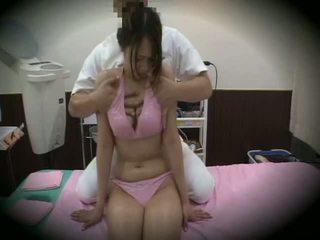 Spycam reluctant dívka masáž pohlaví 1