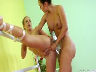 Two ballerina are doing einige lesbisch anschnalldildo anal ficken