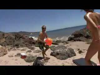 Fastuos 18 an vechi nimfomana goes de la bikini pentru bareback