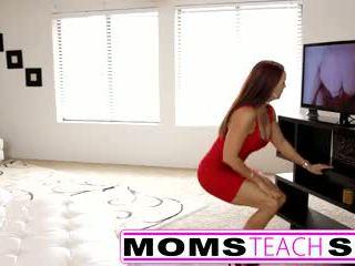 Žingsnis mama fucks sūnus į karštas seksas tryse seksas tape