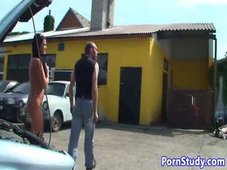 নগ্ন eurobabe teases mechanics