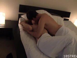 Cute prawan kisses
