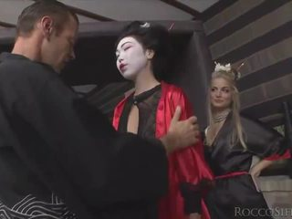 Wild anal threesome with asian tradition