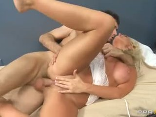sesso orale, qualità sesso vaginale, nominale caucasico voi