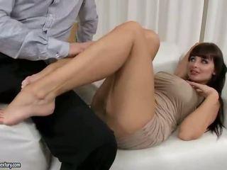 μελαχροινή, hardcore sex, στοματικό σεξ