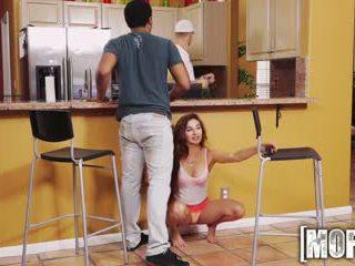 Mofos - nešvankus paauglys cheats apie jos bf