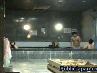 Haruka sasai asiática female gangbangs um
