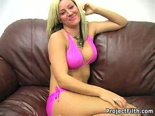 Блондинки порно звезда tickled от три dudes
