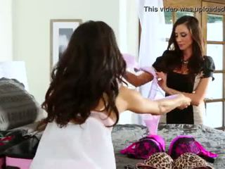 Veronica Rodriguez Helps Her Friend Step-Mom Ariella Ferrera Out <span class=duration>- 6 min</span>