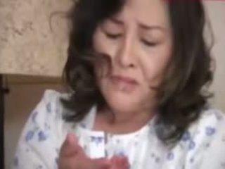 Japanesebbw vyzreté matka a nie ju syn