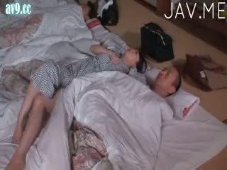 שחרחורת, יפני, תינוק