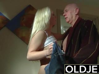 角質 早晨 性別 老 年輕 色情 女朋友 gets 性交