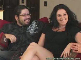 Slutty ženatý žena rides kohout pov