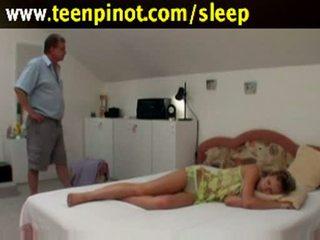 اللسان, فاتنة, sleep