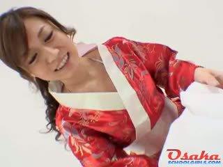 Geisha gives a ロイヤル フェラチオ