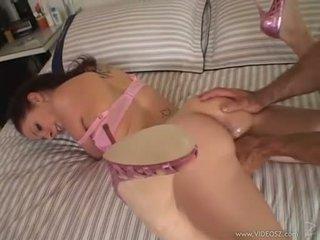 Gianna michaels gets a valtava kukko rammed alas hänen throat kun taas hän sucks kova