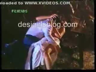 Indické príťažlivé sex scény od hindi horror film
