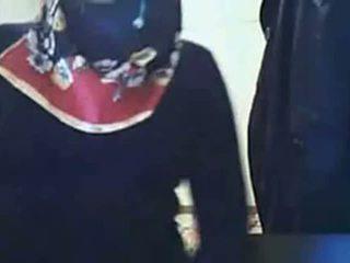 Video- - hijab tyttö näyttää perse päällä verkkokameran