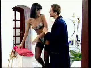 Anita 金發 takes 一 大 公雞 在 她的 屁股 視頻