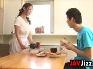 Hård japanska kuk kul i den köks