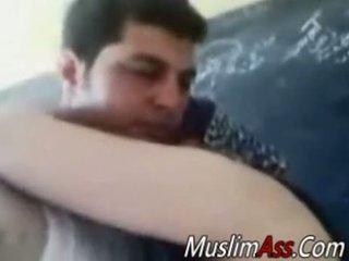 Resnas hijab mājsaimniece fucked uz privāti video