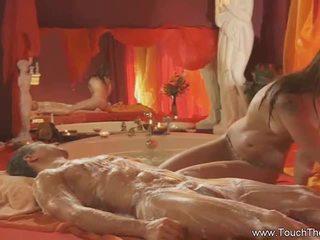 Bjonde loves në bëj masazh