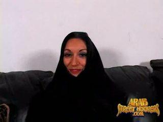 Arabic mammīte persia monir ir kautrīga līdz smash līdz padarīt a porno