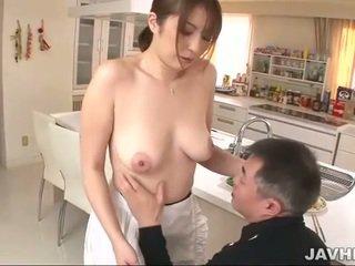 Pieptoasa japonez does boobjob