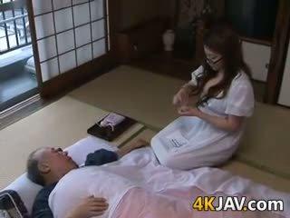 Bystiga japanska hemmafru