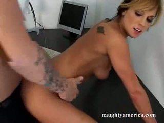 하드 코어 섹스, 큰 거시기, 그녀의 음부는 혔어