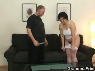 Grandma Friends: Mature Babe Loves Pussy rubbing with Two Dicks