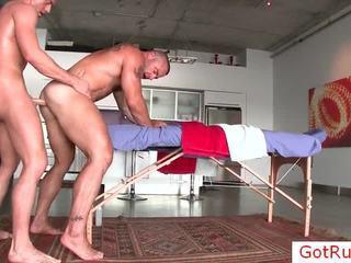 Réel unfathomable gay anal massage