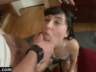 Euro adoleshent gf i parë anale pounding