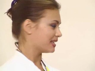 Lucky patient got his ajaýyp brunet doktor göte sikişmek fucked video