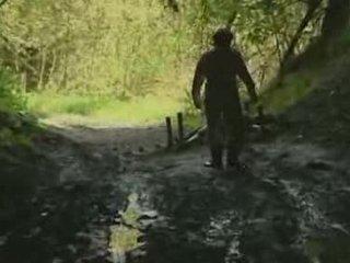 mergina, miškas, rape