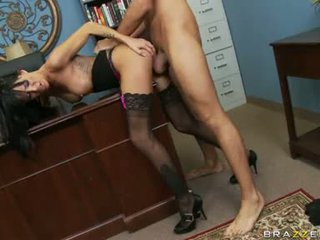 Lascivious floozy haley wilde receives sie muschi stabbed tief mit ein thick shaft hinter