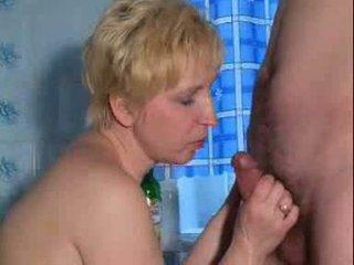 Pieauguša karstās stimulating pieauguša dāma ir spēlē ar sev