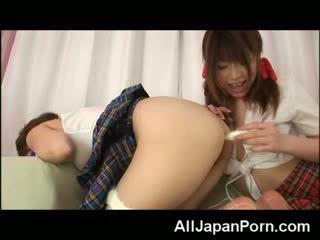 Asiática chicas lesbianas anal!